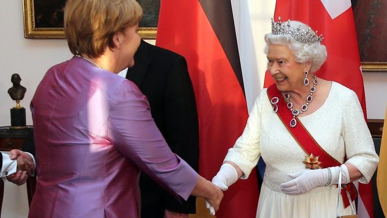 Kanclerz Niemiec rzadko pokazuje się w innym stroju, niż marynarka i spodnie, ale może to i lepiej, bo...