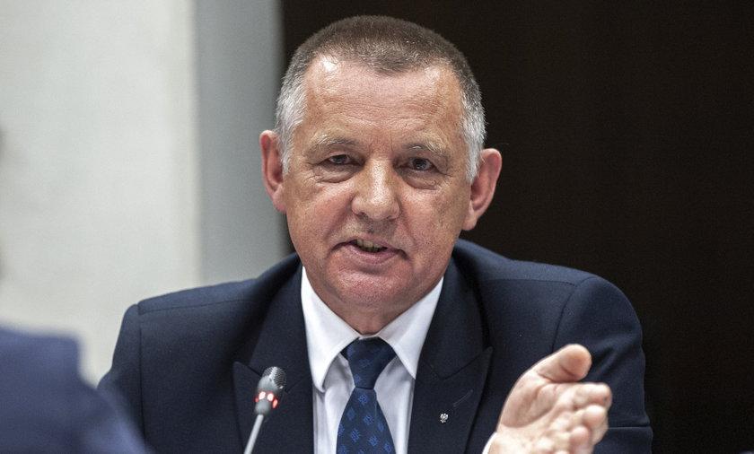 Marian Banaś chciał skontrolować Polską Fundację Narodową. Jest zawiadomienie do prokuratury.