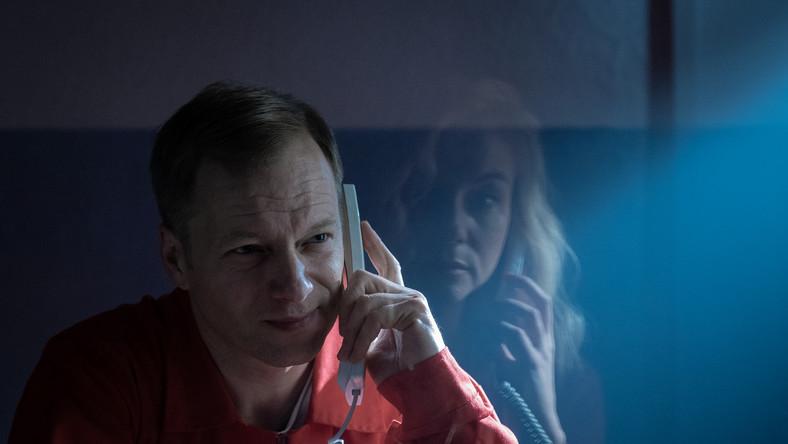 """Maciej Stuhr na planie serialu """"Szadź"""" (fot. Agnieszka K. Jurek/TVN)"""