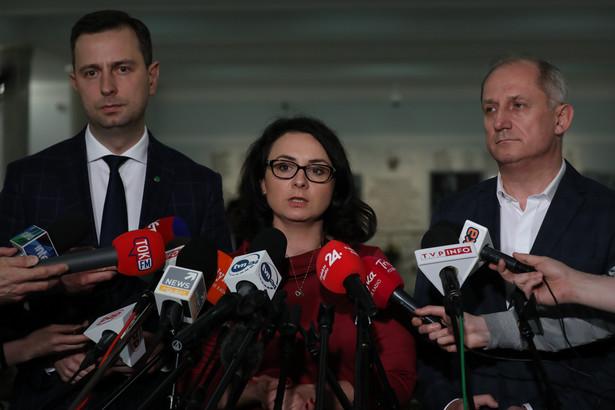 """Wiceszefowa sejmowej komisji sprawiedliwości Kamila Gasiuk-Pihowicz (KO) oceniła w rozmowie z PAP, że publikacja list to """"symboliczne zwycięstwo""""."""