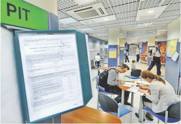 W pierwszej połowie 2009 r. państwo zebrało z PIT 35 mld zł Fot. Lech Gawuc/REPORTER