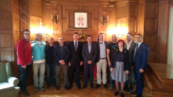 Predstavnici Beogradskog maratona kod ambasadora Srbije Dušana Spasojevića u Atini