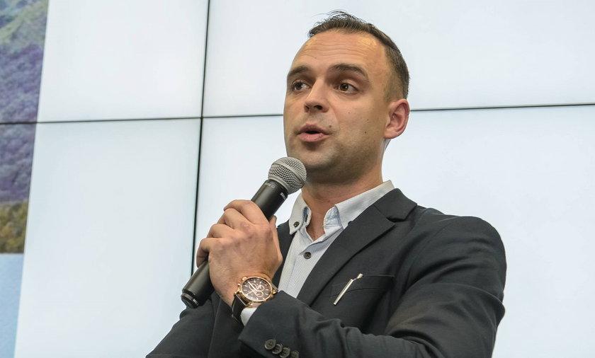 Tomasz Greniuch zrezygnował. Szef IPN Jarosław Szarek przyjął jego dymisję.