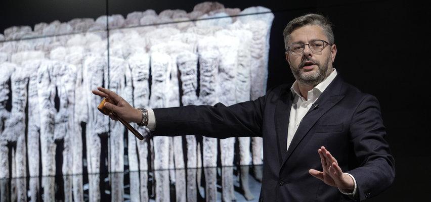 Rzeźba Magdaleny Abakanowicz sprzedana za 13,2 mln zł. To najdrożej sprzedane dzieło w Polsce!