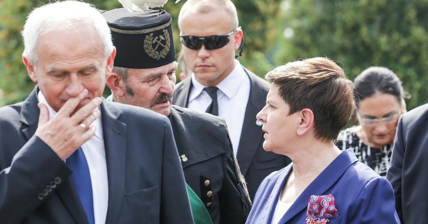 Minister energii Krzysztof Tchórzewski i premier Beata Szydło