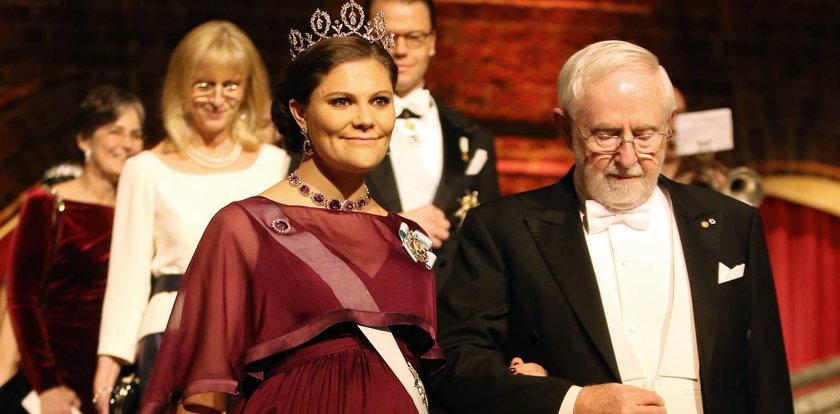 Przepiękna Księżniczka Victoria w diamentach. Ciąża jej służy!