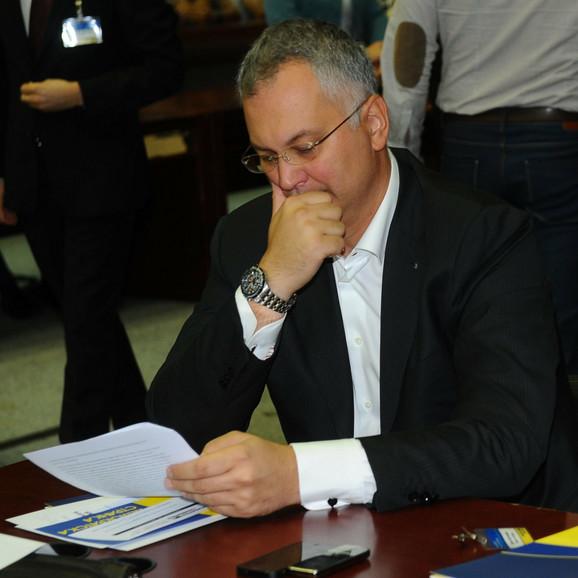 Kako je mogao tužilac da ga nađe, a sud ne može: Dragan Šutanovac