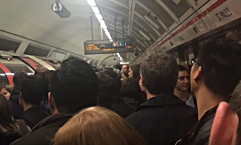 Bójka w londyńskim metrze wywołała panikę