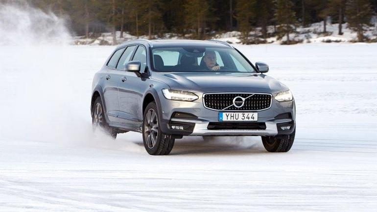Volvo V90 Cross Country – idealne na lód