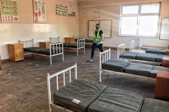 U Medicinskoj školi u Novom Pazaru biće smešteni građani koji su se vratili sa lečenja sa Sajma