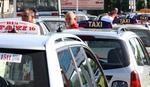 Novi Zakon o bezbednosti u saobraćaju doneo probleme: Taksisti ne znaju šta sa decom i gde da smeste pijane putnike