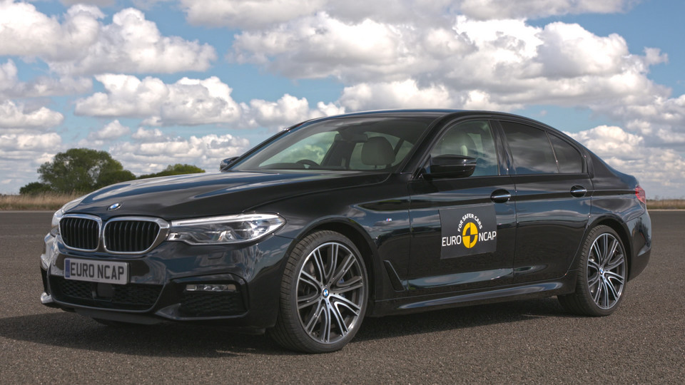 BMW serii 5 - Active Driving Assistant