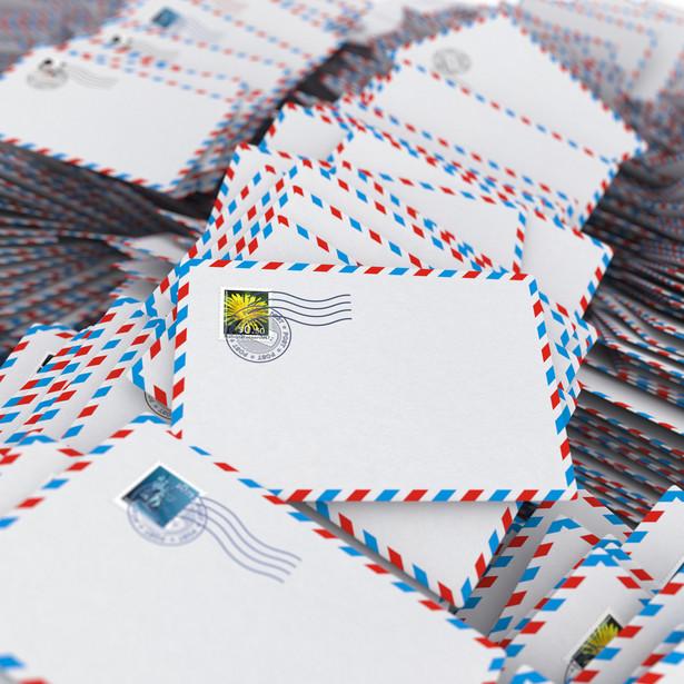 Sprawdź, jak na zarzuty stawiane przez rynek pocztowy, jak i klientów usług pocztowych odpowiada Poczta Polska: