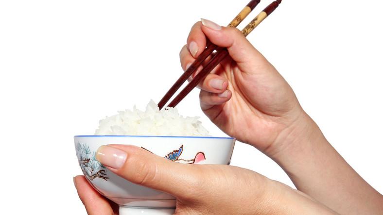 Zawartość arsenu w białym ryżu mniejsza niż w brązowym