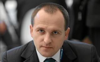 KNF kontra KNF w arbitrażu: Były szef nadzoru pomagał Abrisowi w sporze z Polską