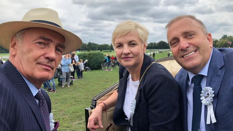 Karol Strasburger i Grzegorz Schetyna z żoną