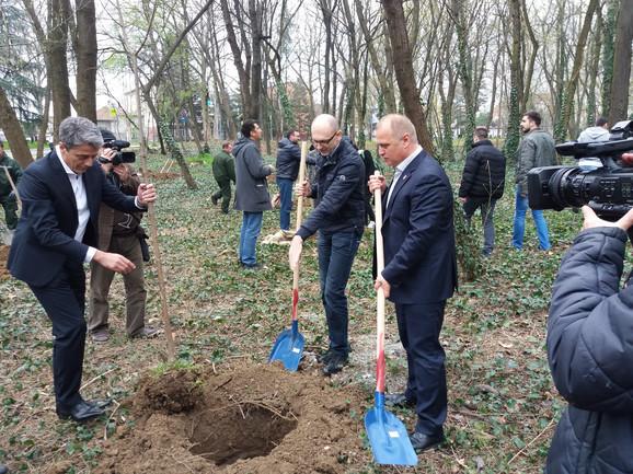 Goran Vesić, sadnja stabala u Bajfordovoj šumi