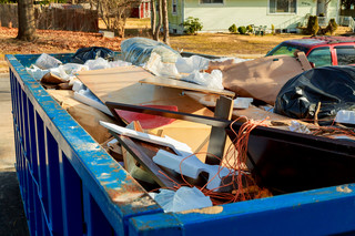 Kaucje za śmieci jednak będą niższe