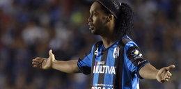 Nieudany debiut Ronaldinho. Brazylijczyk fatalnie spudłował z rzutu karnego! WIDEO