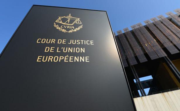 Orzeczenia te kończą kilkuletni spór obu rządów z Brukselą.