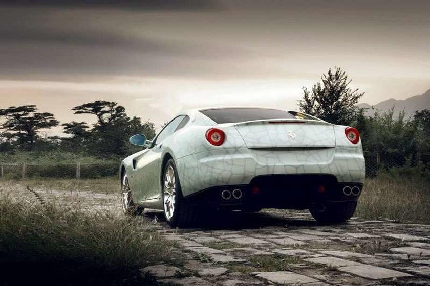 Porcelanowe Ferrari