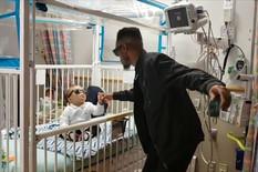 Otac igra za svog bolesnog sina