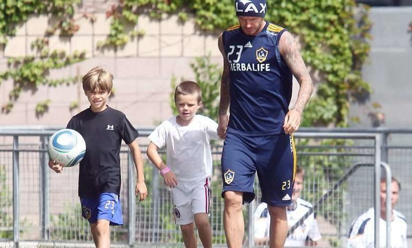 Beckham uczy synów gry w piłkę