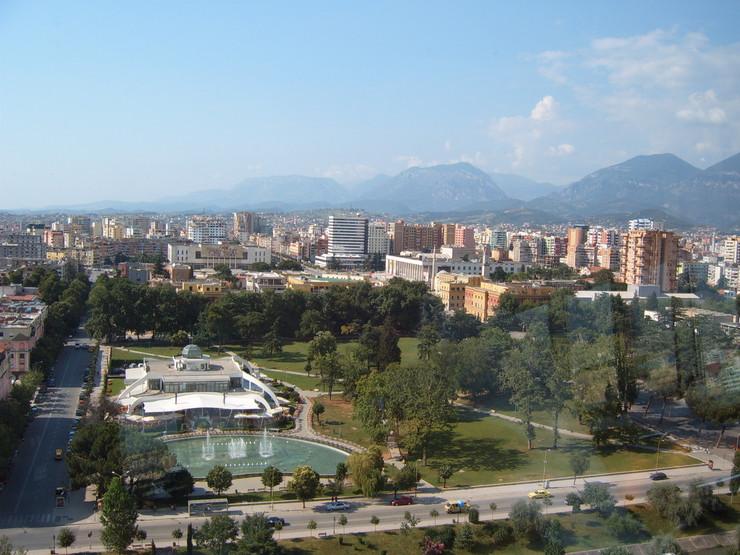 Tirana_foto Wikipedia