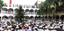 Pogrzeb duchownego w czasie pandemii. Na ceremonii pojawiło się 100 tys. osób