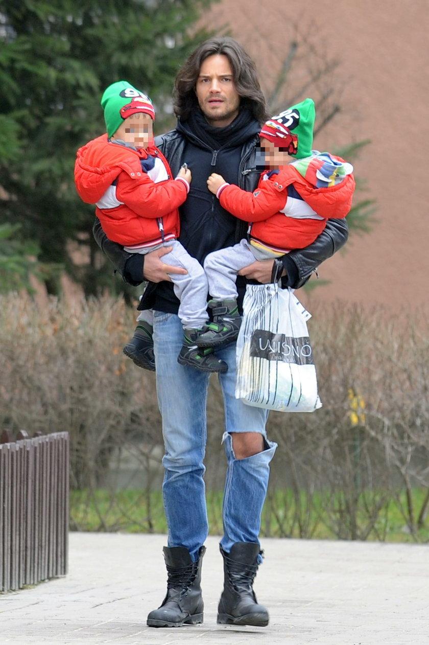 Mikołaj Krawczyk z synami