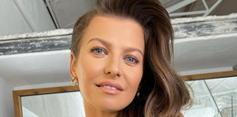 """Anna Lewandowska zachwyciła fanów swoją sukienką na weselu kuzynki. """"Te nogi, te włosy, ta kreacja! Bomba"""". Jak wyglądała?"""