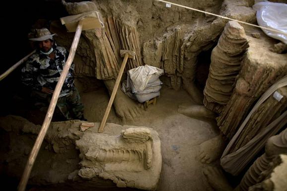 Otkriveno mnoštvo Budinih statua koje arheolozi pokušavaju da spasu pre nego što rudnik krene sa radom