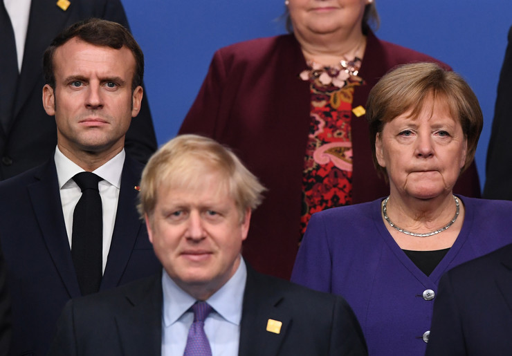 Emanuel Makron, Boris Džonson i Angela Merkel