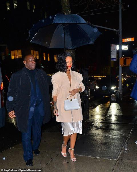 Rihanna makes a bold style statement on cold New York night