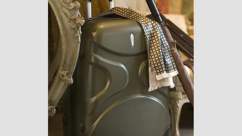 Lekkie walizki pje między innymi marka Wittchen