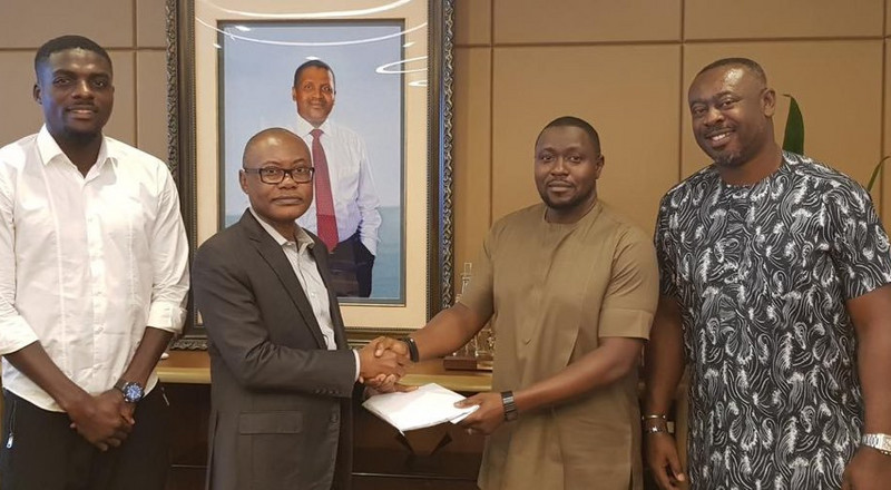 Super Eagles receive N17.9M from Nigerian billionaire businessman Aliko Dangote for goal against Algeria in semi-finals of AFCON 2019