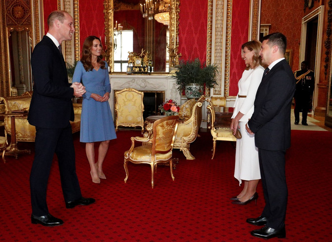 Kejt Midlton i princ Vilijam sinoć u Bakingmeskoj palati sa predsednikom i prvom damom Ukrajine
