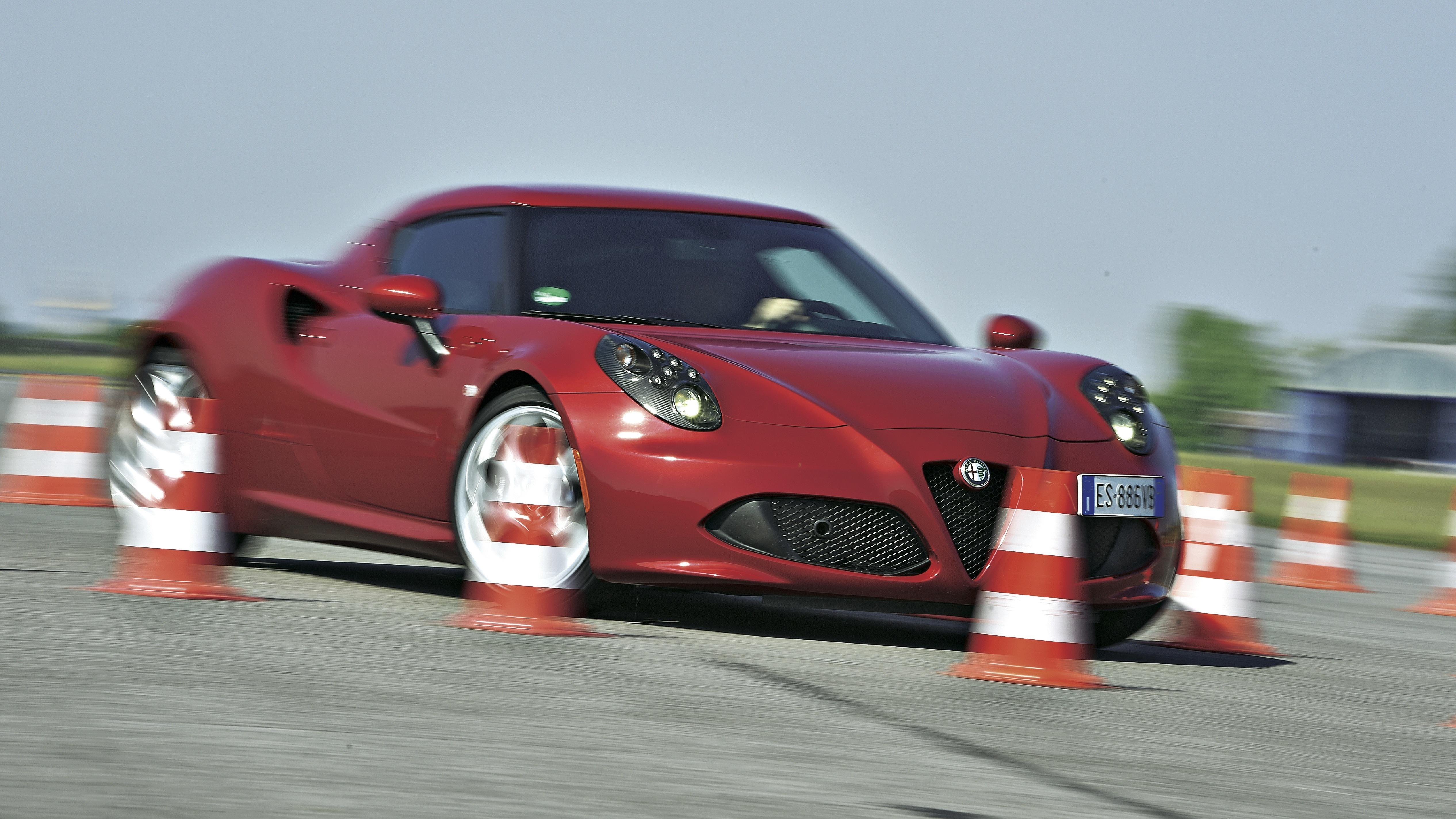 Alfa Romeo 4C włoski przedmot pożądania