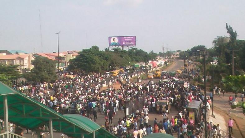 #ENDSARS protesters at Secretariat Area on Lagos-Ibadan Expressway, Lagos on Thursday/Illustration. [NAN]