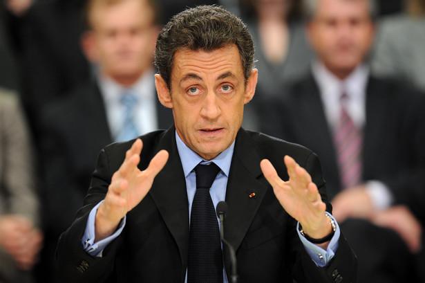 Jako haniebne określił prezydent Nicolas Sarkozy oskarżenie go o to, że otrzymywał przez lata nielegalne wsparcie finansowe od miliarderki Liliane Bettencourt. Fot. Bloomberg
