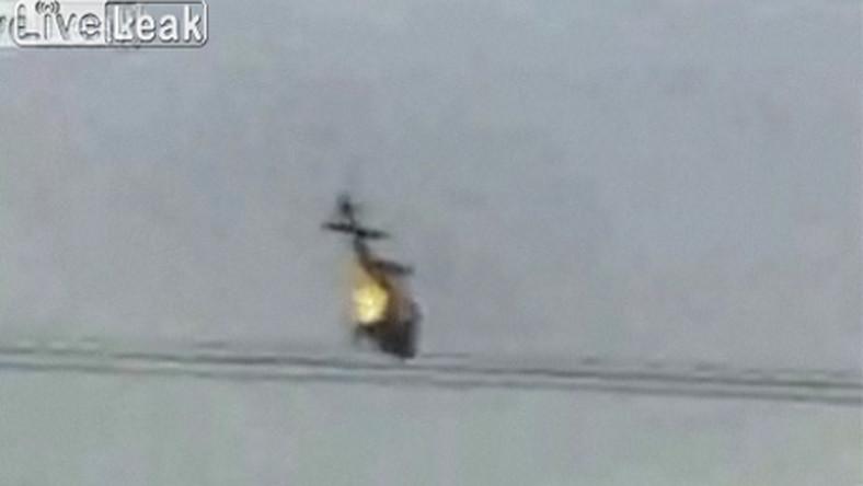 Zobacz brazylijski helikopter w ogniu