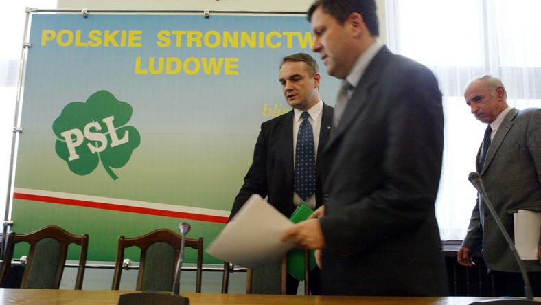 W sobotę kongres PSL - Pawlak walczy o fotel prezesa z Piechocińskim