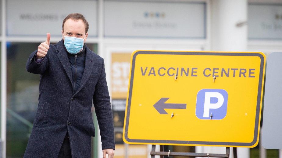 Koronawirus. Wielka Brytania zacznie szczepić osoby poniżej 30. roku życia