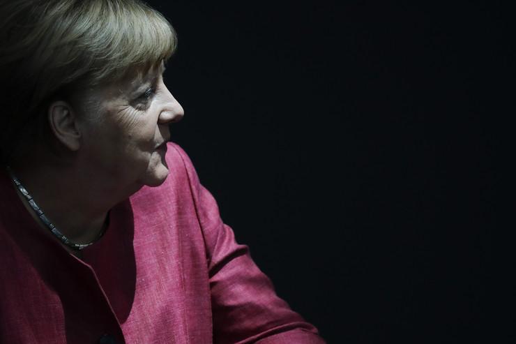 HAKERSKI NAPAD NA BUNDESTAG! Brisel uveo sankcije šefu ruske vojne obavještajne službe (GRU) zbog krađe mejlova Angele Merkel!