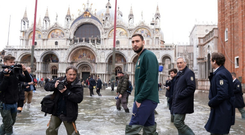 Mancini's Italy visit 'wounded' Venice