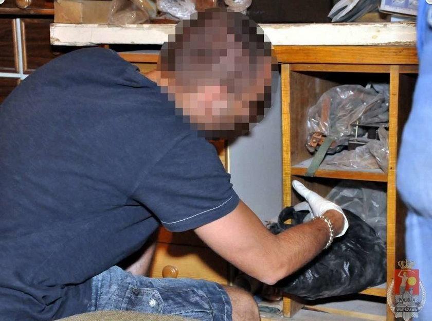 Ohydny pedofil fotografował w piwnicy!