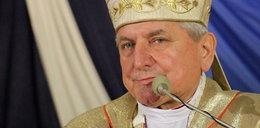 Kim jest Edward Janiak? To ten biskup jest antybohaterem filmu Sekielskich
