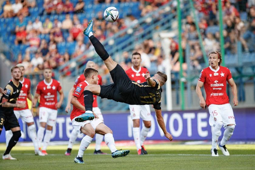 Szysz strzelił dwa piękne gole i mocno popracował na trzeciego.
