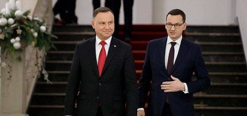 Polacy wystawili oceny najważniejszym politykom. Jeden zyskuje, a drugi traci