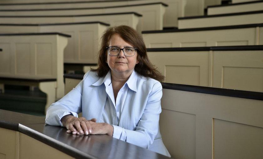 Prof. Lidia Rudnicka, kierownik Kliniki Dermatologicznej Warszawskiego Uniwersytetu Medycznego, prezes Polskiego Towarzystwa Dermatologicznego.